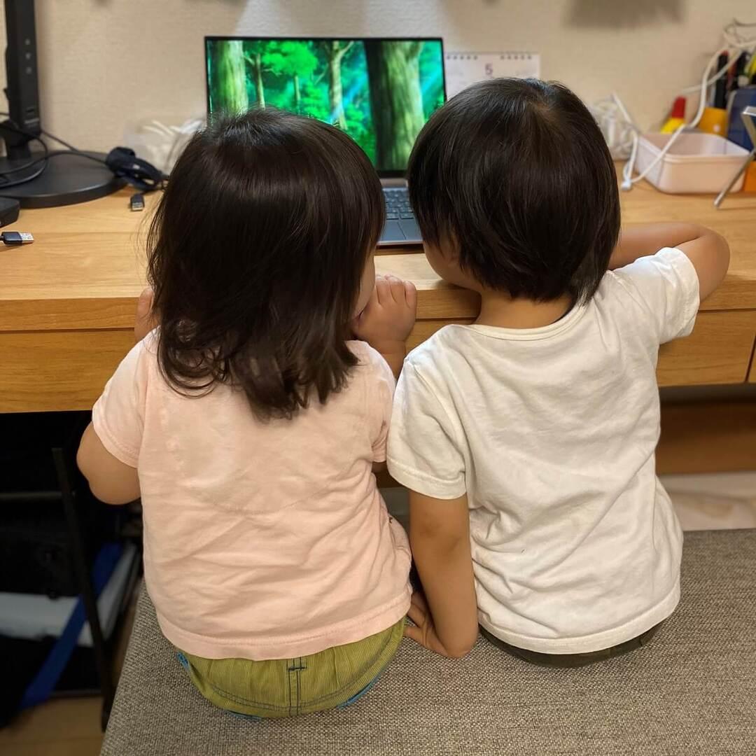 ステイホームで子どもの動画が大人気だった2020年。楽しく学べてためになる人気動画5選