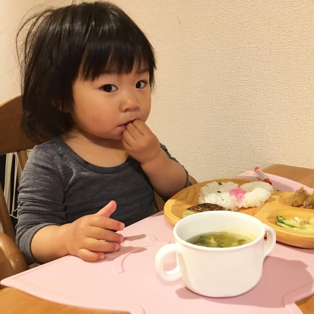 ほっ、みんなも悩んでた!食事が遅い、動画を見たがる…子育ての「困りごとランキング」発表!