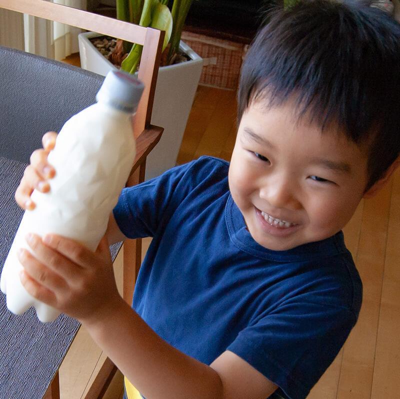 【おうち食育】簡単なのに最高においしい☆ペットボトルをひたすらフリフリでできる「自家製バター」