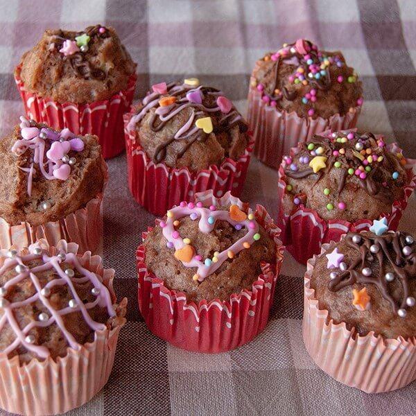 おいしくってかわいい!!【バレンタイン】に子どもと一緒にデコが楽しい「チョコバナナ蒸しケーキ」