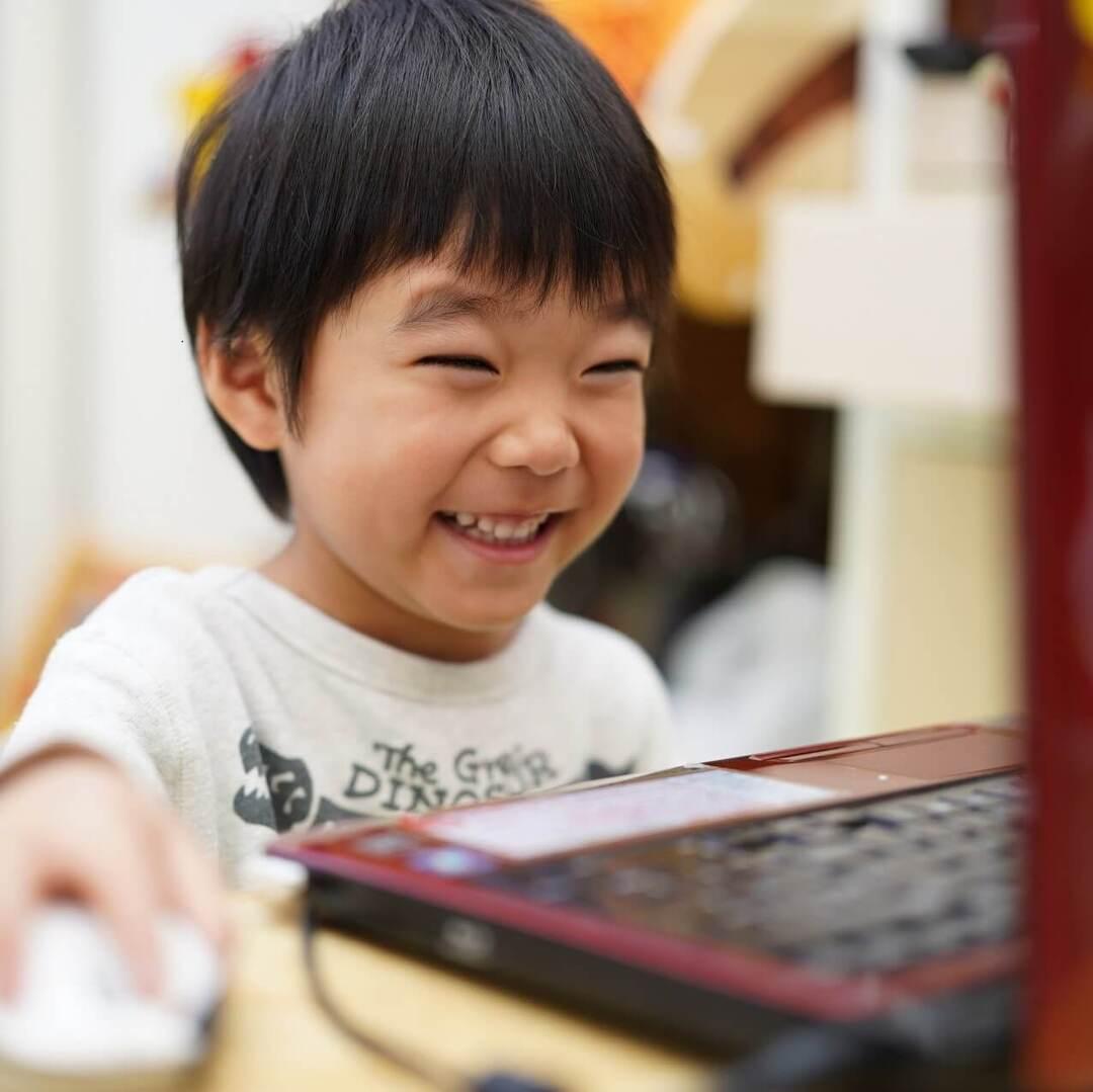 【子どものオンライン英会話】どこがいい?幼児から習えるおすすめスクール<講師・料金・スタイル・受講方法>をチェック!