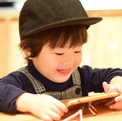 【完全保存版】幼児とスマホ動画、上手に付き合うために親が注意したいこと