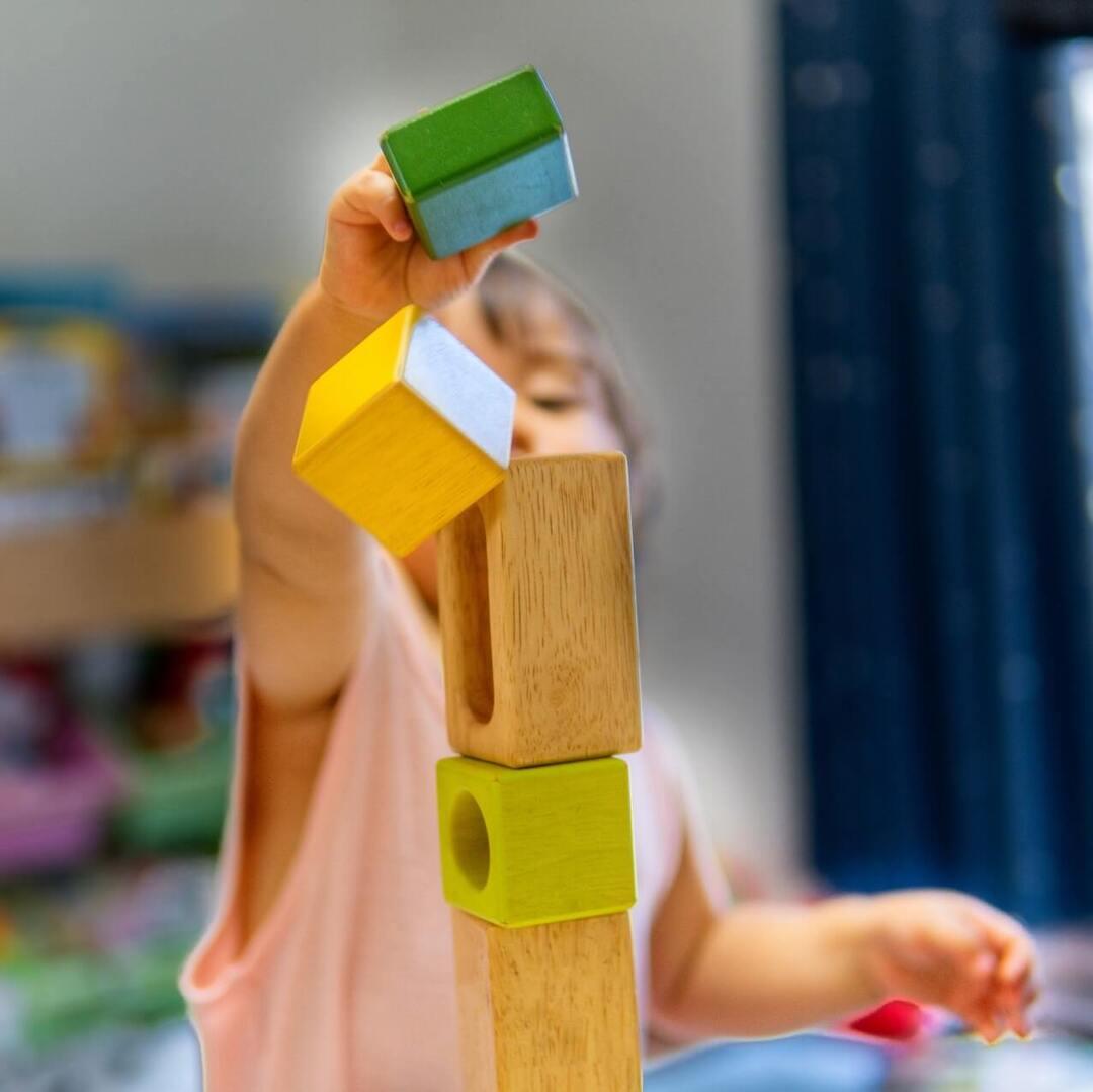 「おもちゃ」はおやこのよき仲間。大人もいっしょに遊びたいものを迎えよう